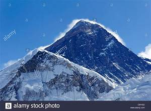 View of Mount Everest from the summit of Kala Pathar ...