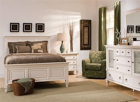 Raymour And Flanigan Bedroom Set by Somerset 4 Pc Bedroom Set Bedroom Sets Raymour