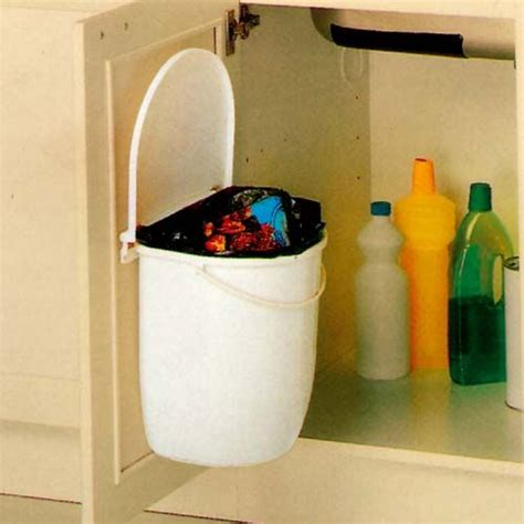 poubelle de porte de cuisine les 25 meilleures idées de la catégorie poubelle sous