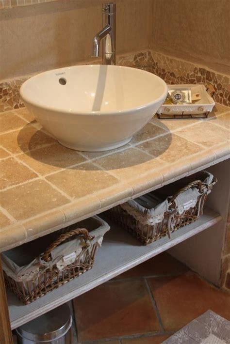 salle de bain provencale carrelage fa 239 ence el 233 ments structurels lavabo mobilier rangement bac bo 238 te et paniers les