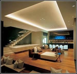 Wohnzimmer indirekte led beleuchtung wohnzimmer house for Wohnzimmer led beleuchtung