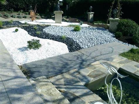 Amenagement Jardin Avec Gravier Cailloux Blanc Jardin Maison Design Apsip