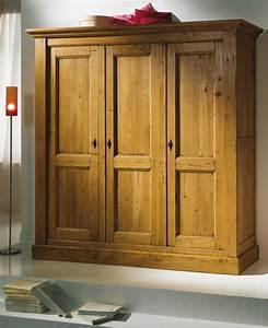 Armoire Bois Blanc : cuisine armoire salon bois chaios armoire bois pas cher armoires bois blanc licious armoires ~ Teatrodelosmanantiales.com Idées de Décoration