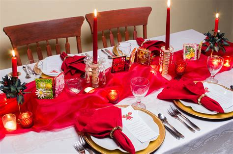 Decorate Your Christmas Table, A Feast For The Eyes