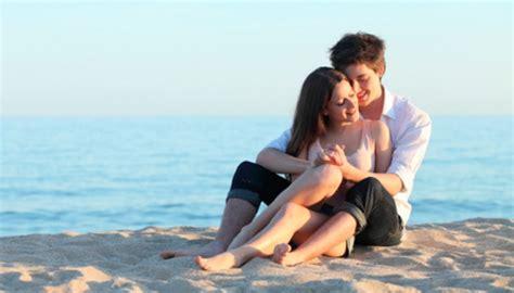 Wanita Dewasa Dalam Pacaran Tanda Tanda Pria Jatuh Cinta Gaya Tempo Co