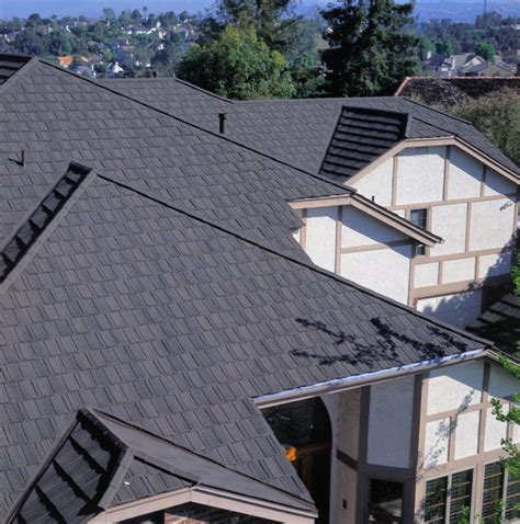photos of the roof with composite shingles metroshake 2