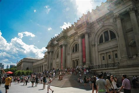 the met s new admissions fee goes into effect the newspaper