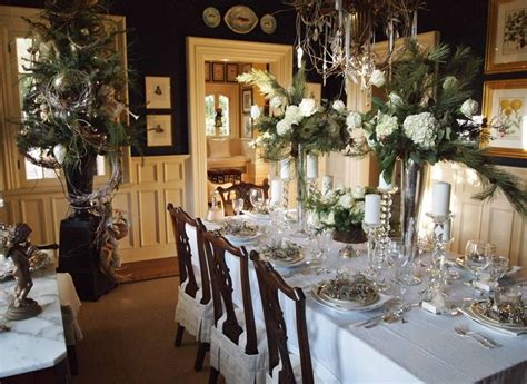 formal dining table centerpiece ideas decobizz com 42 best images about christmas formal dining rooms on