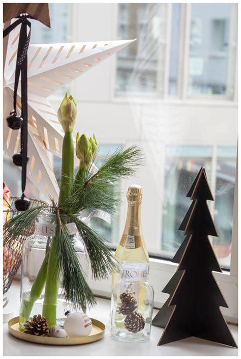 Weihnachtsdeko Auf Fensterbank by Weihnachtszeit Ist Dekozeit Blumige Weihnachtsdeko