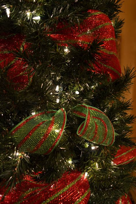kristens creations decorating  christmas tree  mesh