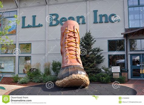 l stores me l l bean retail at freeport maine usa editorial