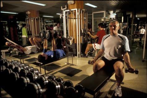 salle de bodybuilding les outils de musculation machines ou poids 233 quipement musculation protection musculation tn