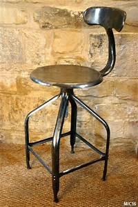 Tabouret Industriel Reglable : tabouret table a dessin ~ Teatrodelosmanantiales.com Idées de Décoration