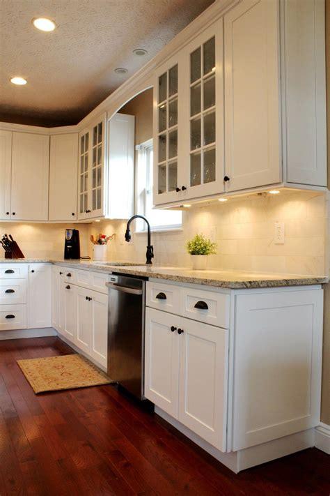 modern ice white shaker cabinet  brings