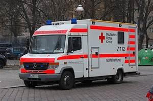 Deutsches Rotes Kreuz Berlin : mb sprinter drk rtw auf einsatzfahrt am berlin ~ A.2002-acura-tl-radio.info Haus und Dekorationen