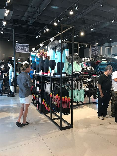 specialized opens company owned store  costa mesa