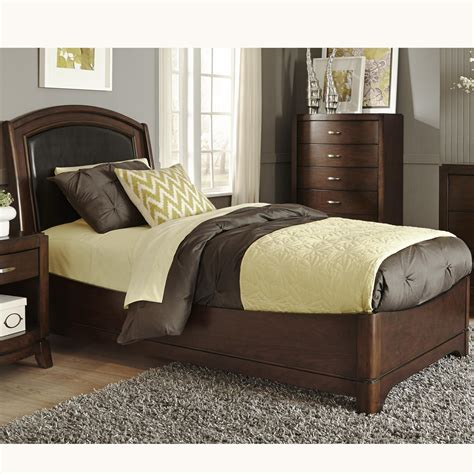 Leather Bed Headboard by Liberty Furniture Avalon 505 Ybr Tlb Bed With Arched