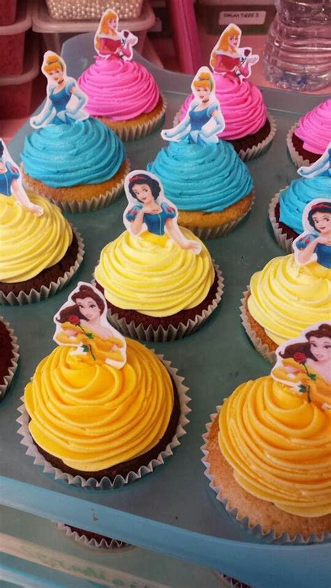 princess cake decorating supplies 25 best ideas about disney princess cakes on