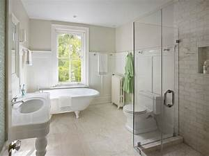 Bathroom with Board and Batten - Cottage - bathroom