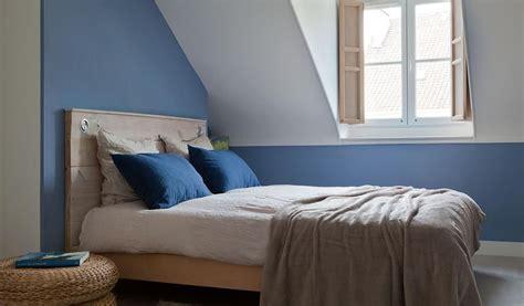 deco chambre mansardee chambre bleue mansardée de style scandinave déco appart