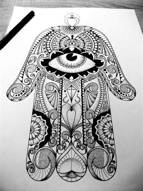 hand of fatima upper back, old school design | Hamsa | Tattoos, Hamsa tattoo, Hamsa drawing
