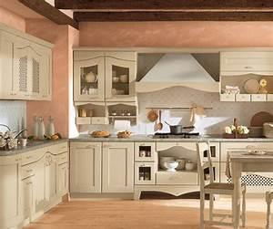 Moderna cucina classica tinta avorio for Cucina classica moderna
