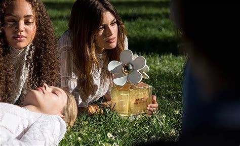 Kaia Gerber is the New Face of Marc Jacobs' 'Daisy ...