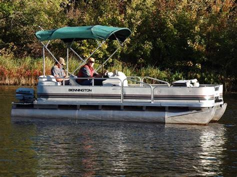 Bennington Pontoon Boats For Sale Canada by 1999 Bennington 180s Boat For Sale 18 Foot 1999 Pontoon