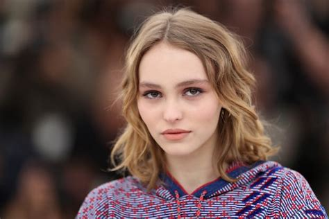 my mother s perfume pascale petit analysis johnny depp s daughter offers support during abuse scandal