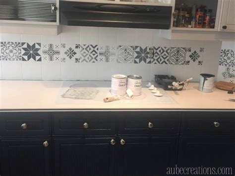 applique cuisine repeindre des carreaux avec de la chalk paint et des