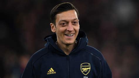 Mesut Ozil's representatives contact Juventus - 6 months ...