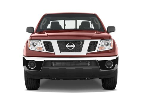 image  nissan frontier wd king cab  man se front