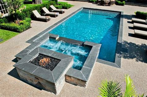 Whirlpool Garten Anschluss by Fiberglass Pool With Built In To Pool Whirlpool
