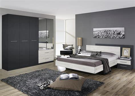 chambre contemporaine chambre adulte contemporaine chêne clair gris métallique