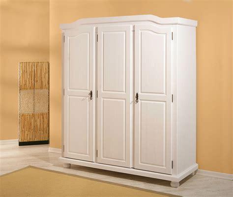 conforama armoire chambre armoire 3 portes bastian blanc