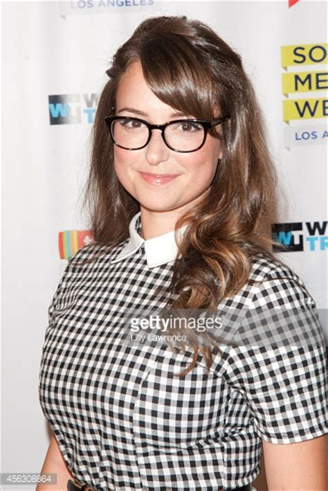 milana vayntrub net worth milana vayntrub net worth 2017 2016 bio wiki renewed