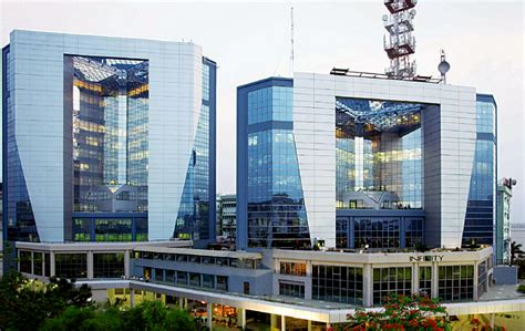 10 Amazing Office Buildings In India