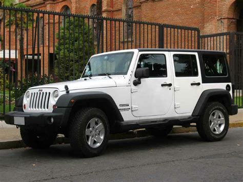 jeep sahara white 2016 2016 jeep wrangler unlimited sahara automatic white color