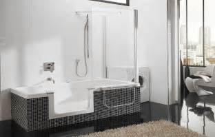 Bathroom with Walk-In Shower and Tub