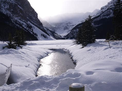 photo lake louise winter frozen lake  image