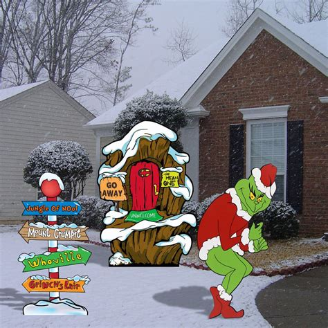 Outdoor Decor - grinch stealing lights lair pole yard