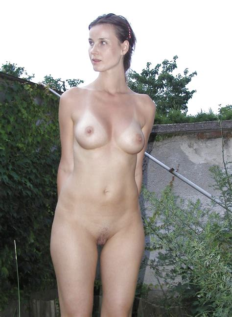 Nadine Pretty Young And Sexy German Amateur Milf Wife
