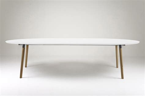 table extensible de style scandinave blanc et bois hellin