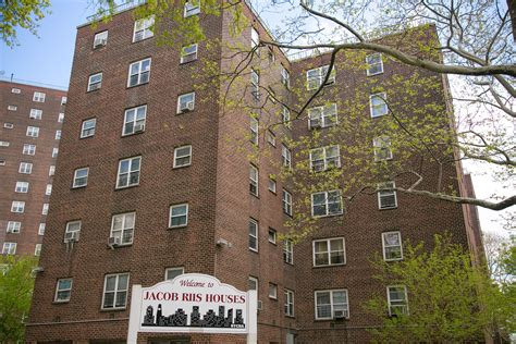 New York City Bans Smoking In Public Housing Apartments