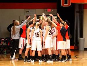 Women's basketball moves up to no. 6 in D3hoops.com com ...