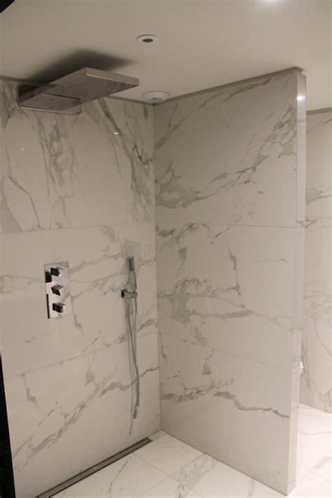 salle de bain plaque imitation carrelage salle de bain