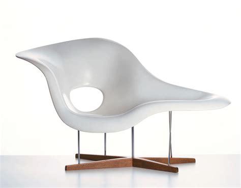 chaise design eames eames la chaise hivemodern com