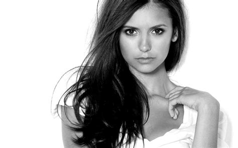 elena  vampire diaries tv show wallpaper