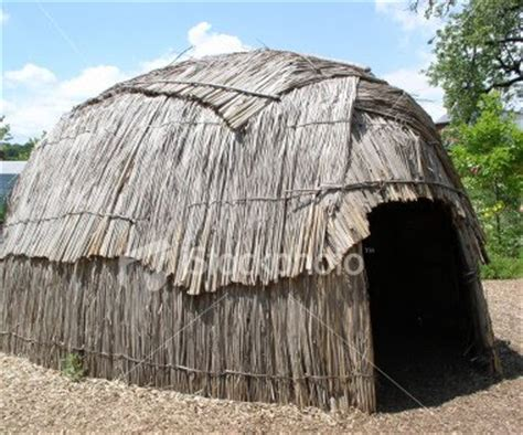 What Did The Pequots Live In?  Pequots Indians