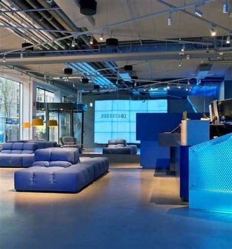 A Tour of Deloitte's New Sleek Toronto Office - Officelovin
